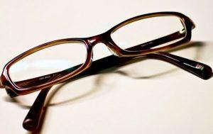 不要になったメガネ処分方法。JINS・ZOFFリサイクルなど多数