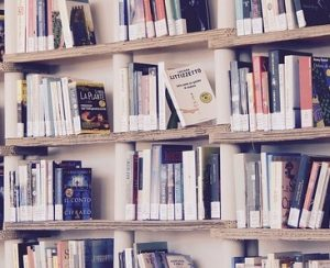 高額本を自分で購入しないで無料で図書館で購入してもらう方法