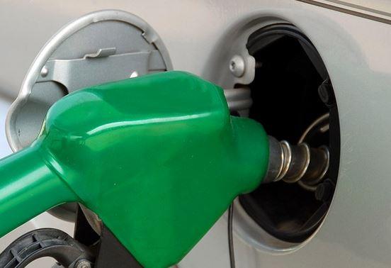 給油キャップ閉め忘れ走行2日間の実際と危険性と対処法